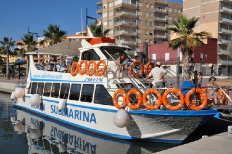 <span style='color:#780948'>ARCHIVED</span> - Boat trips in Puerto de Mazarrón with Solaz Lines