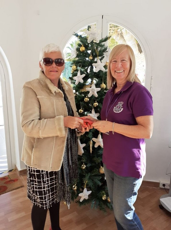 <span style='color:#780948'>ARCHIVED</span> - Hacienda ladies bring surprise Christmas cheer to MABS Mazarrón